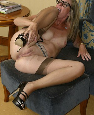 Shaved Mature Pussy Pics