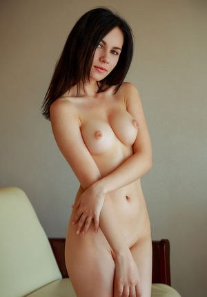 Young Shaved Pussy Pics