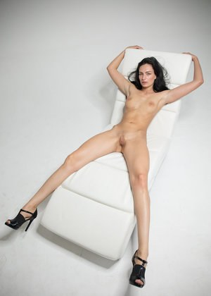 Shaved Pussy and Legs Pics